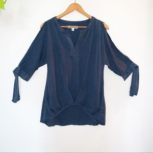 Francesca's Collections Tops - Navy 3/4 Tie-Sleeve Blouse
